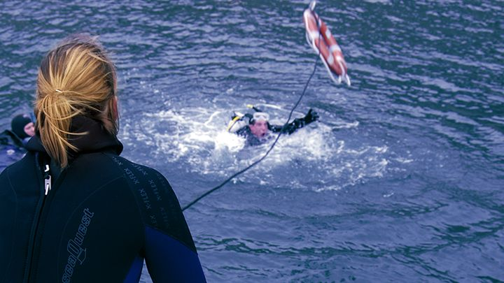 Navys waterworld rescue diver padi course
