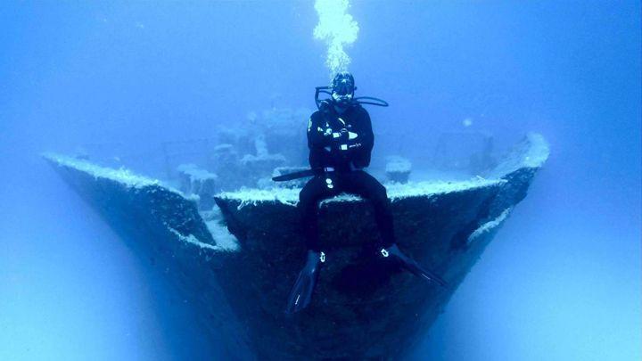 advanced open water padi certification shipwreck santorini