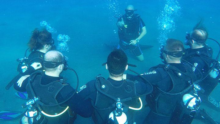 Santorini Navys waterworld padi scuba certification