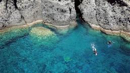 Snorkering safarissantorini boat tours