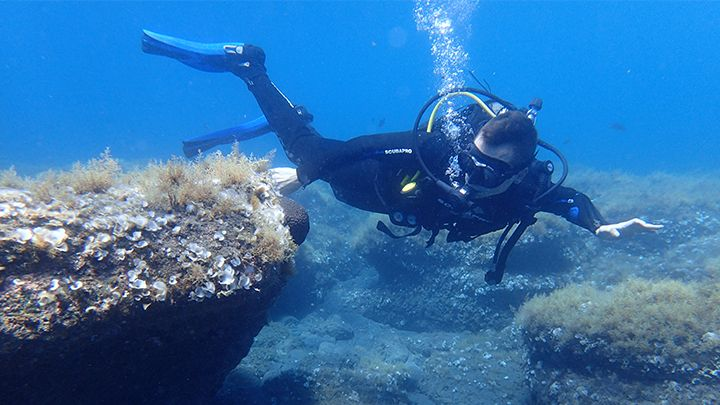 scuba diving first time exploration